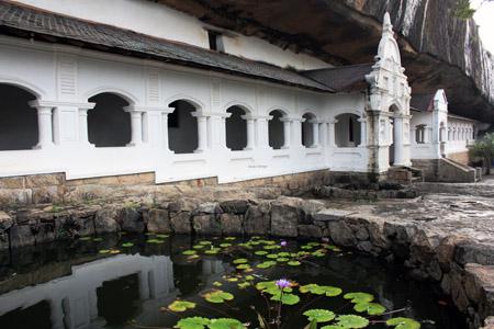 Dumballa, il tempio antico.