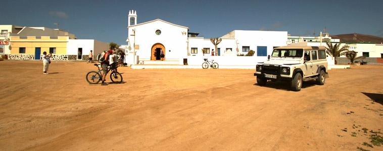 Isola La Graciosa, località Caleta de Sebo. Chiesa.