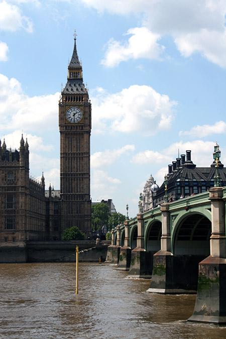 Londra, ponte di fianco a Westminster.