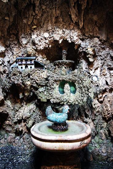 Lainate (Mi), Villa Litta. La gallina che produce uova d'oro.