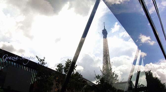 Parigi 672 okok torre Eifelle e nuvole g