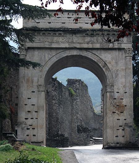 Susa circuito romano celtico sacra di san michele - Porta romana viaggi ...