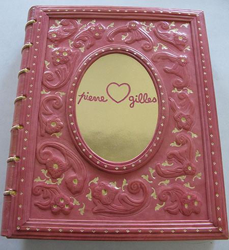 Tallin Accademia Arte libro rosa ok