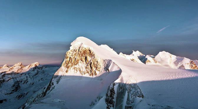 svizzera 672 montagna zermatt sunset-dinner_aussicht-breithorn