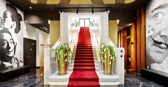 Hotel 672 Barcellona Dalì Vincci-Gala_billboard