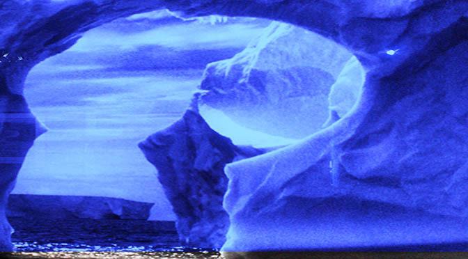 Antartide  gigantesco iceberg di 5.800 km quadrati