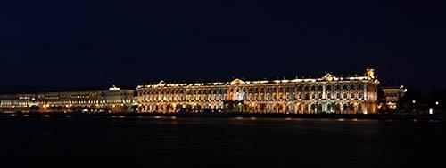 San pietroburgo Ermitage di notte blu