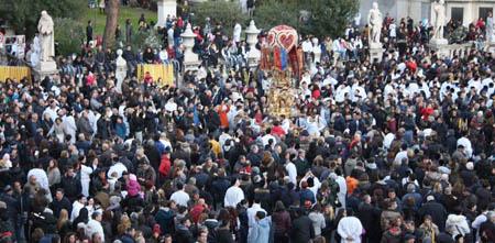 Catania la folla Sant'Agata 450 j