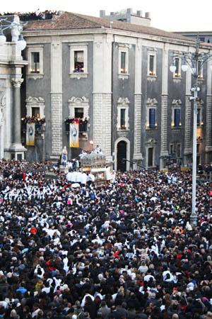 Catania sant'Agata 300 la folla s