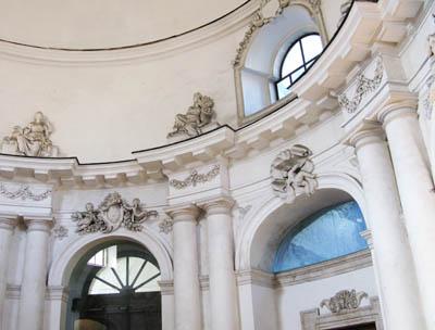 Catania Monastero benedetttini refettorio architettura lussuosa
