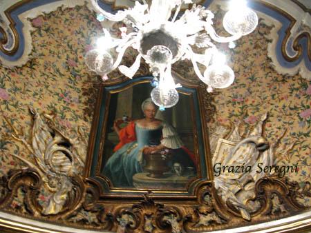 Catania Palazzo Biscari ritratto e lampadario hg