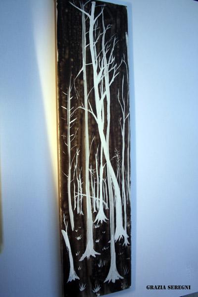 6fpiastrellaFIRMAalberi bianchi su fondo nero grigio