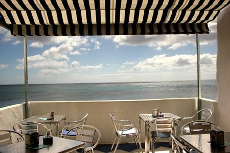 Bar El Pasito. La sua terrazza sul mare.