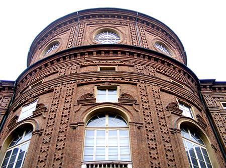 Palazzo Carignano, barocco assai interessante.