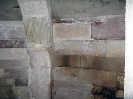 Fonte dell'acqua Tullia. Cripta dell'antico monastero.