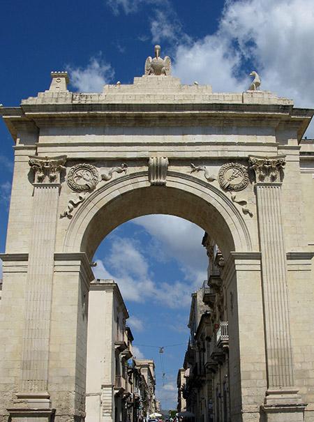 SICILIA Noto Porta Borbonica detta Porta Reale