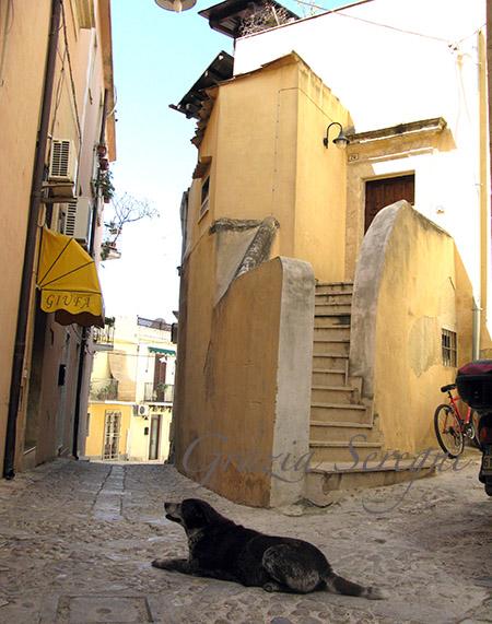 SICILIA Noto scorcio di un vicolo