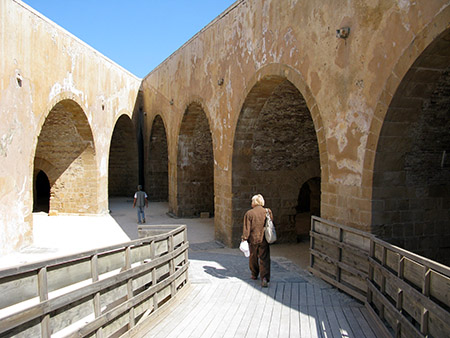 SIRACUSA Siracusa isola di Ortigia Castello Maniace parte spagnola con batteria a fior d'acqua
