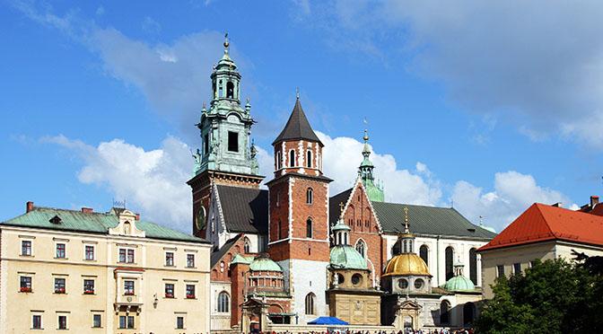 Kraków_-_Wawel_Cathedral_01