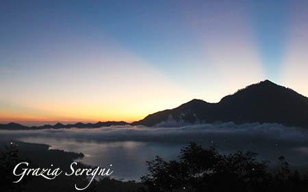 Bali ok ok ok monte vulcano lago strisce panorama vario