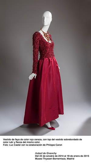 Moda Givency cereza