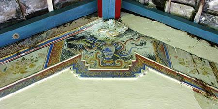 BALI tempio al nord decorato soffitto 1