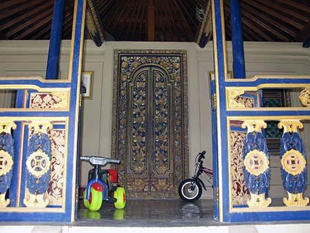 Bali tempio soffitti abitato come case normal