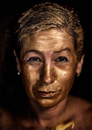 1_gold_powder_mask_healing__la_cura_de_la_mascara_del_polvo_de_oro_1